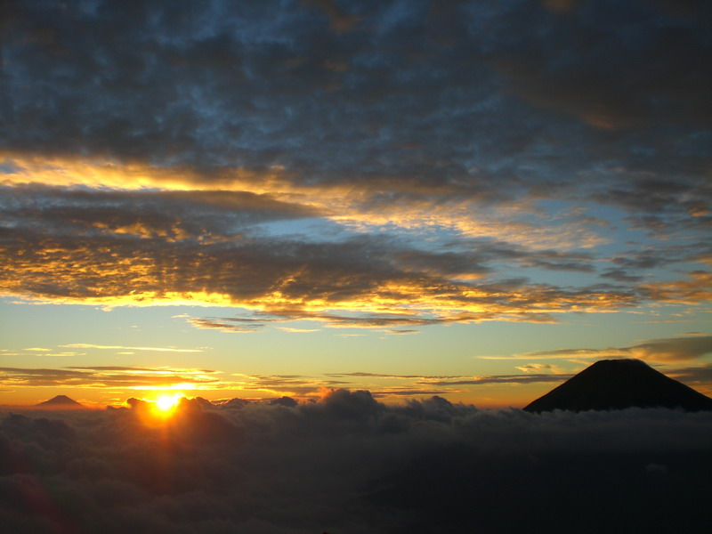 sunset-sumbing-2