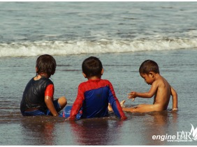 Bocah-bocah Pantai Pangandaran