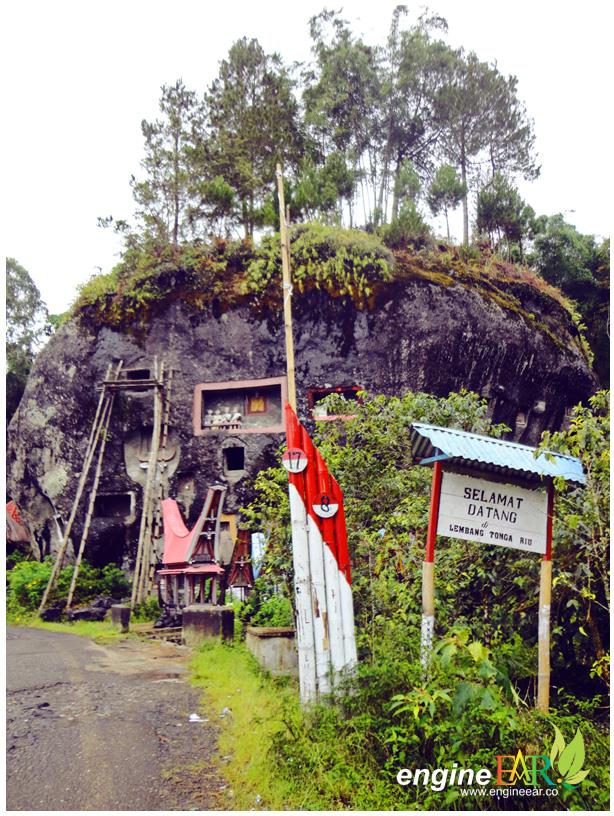 Gerbang Masuk Desa